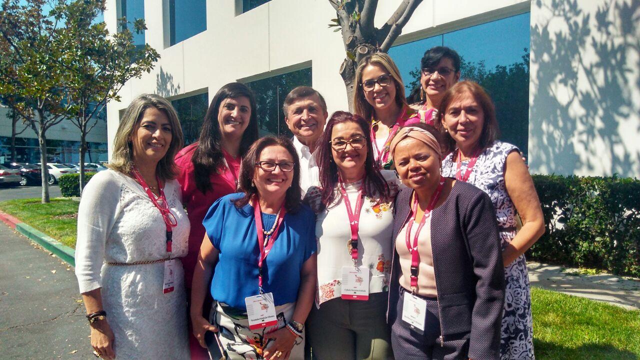 Ana Miranda, Diretora Executiva do Portal NasceCME e da Revista NasceCME Magazine, no Fórum Latino Americano de Prevenção de Infecções da ASP no Johnson&Johnson Institute - Califórnia, Estados Unidos, com o Grupo Brasileiro e Dr. William Rutalla